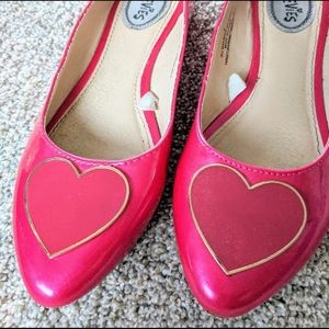 PINK STEVIES-CUTE HEART ON TOES SHOES-LIKE NEW